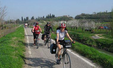 BIKE TOUR Villa dei Vescovi e Giardino di Valsanzibio-1
